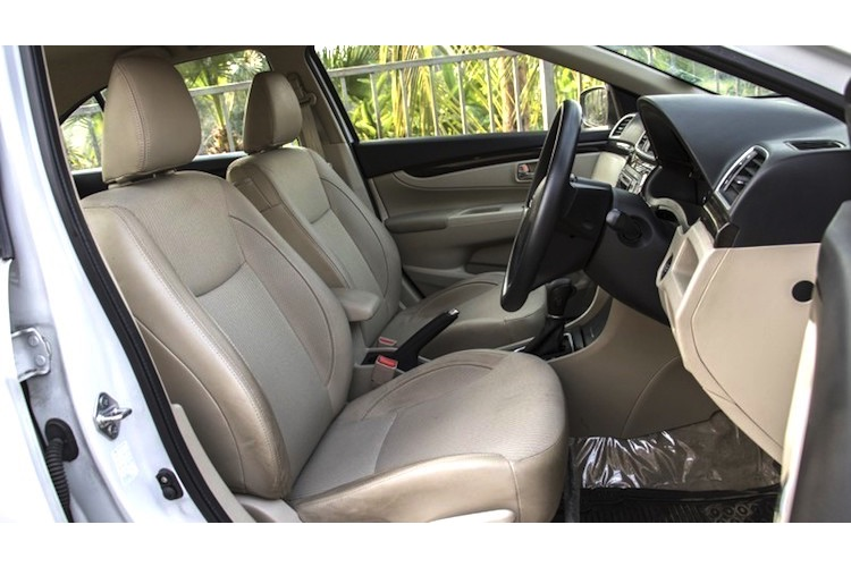 "Sedan Suzuki Ciaz sap vao Viet Nam ""dau"" Toyota Vios-Hinh-5"