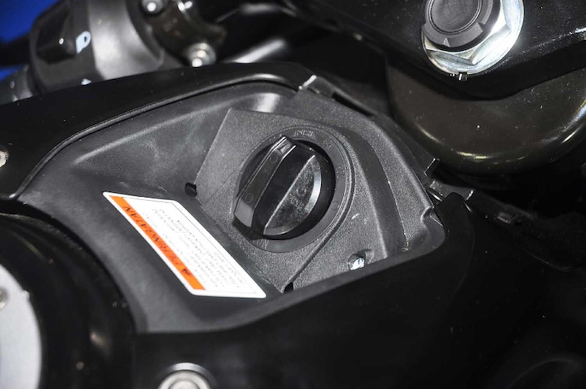 Can canh moto Suzuki GSX-R150 gia 47,1 trieu dong-Hinh-6