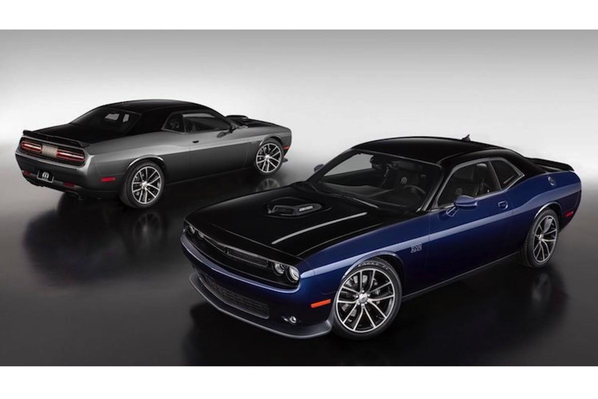 Xe co bap Dodge Challenger ban dac biet gia 1,29 ty