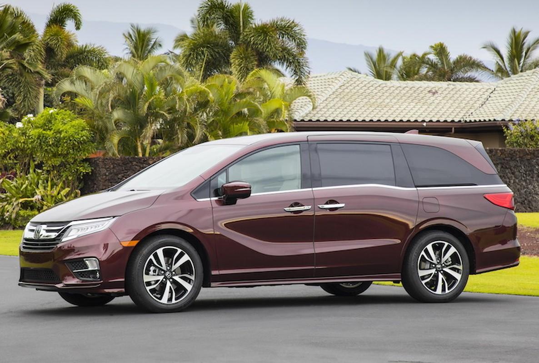 "Xe gia dinh Honda Odyssey 2017 ""chot gia"" 700 trieu-Hinh-2"