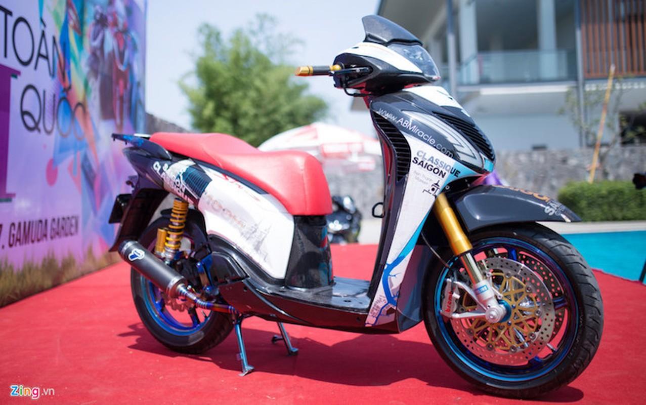"""Honda SH do khung o Sai Gon """"khoe hang"""" tai Ha Noi"""