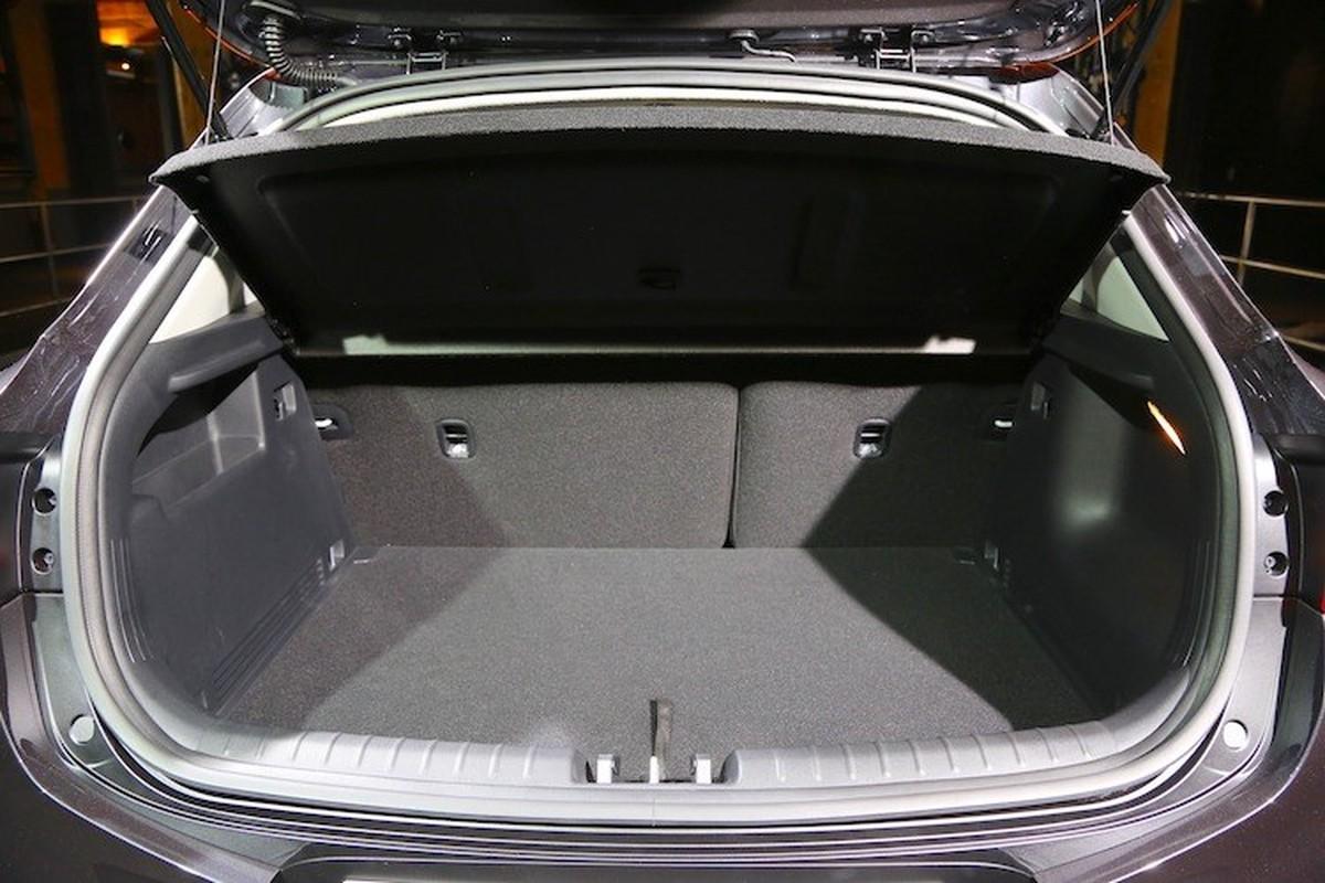 Bo doi xe gia re Hyundai Kona va Kia Stonic co gi?-Hinh-6
