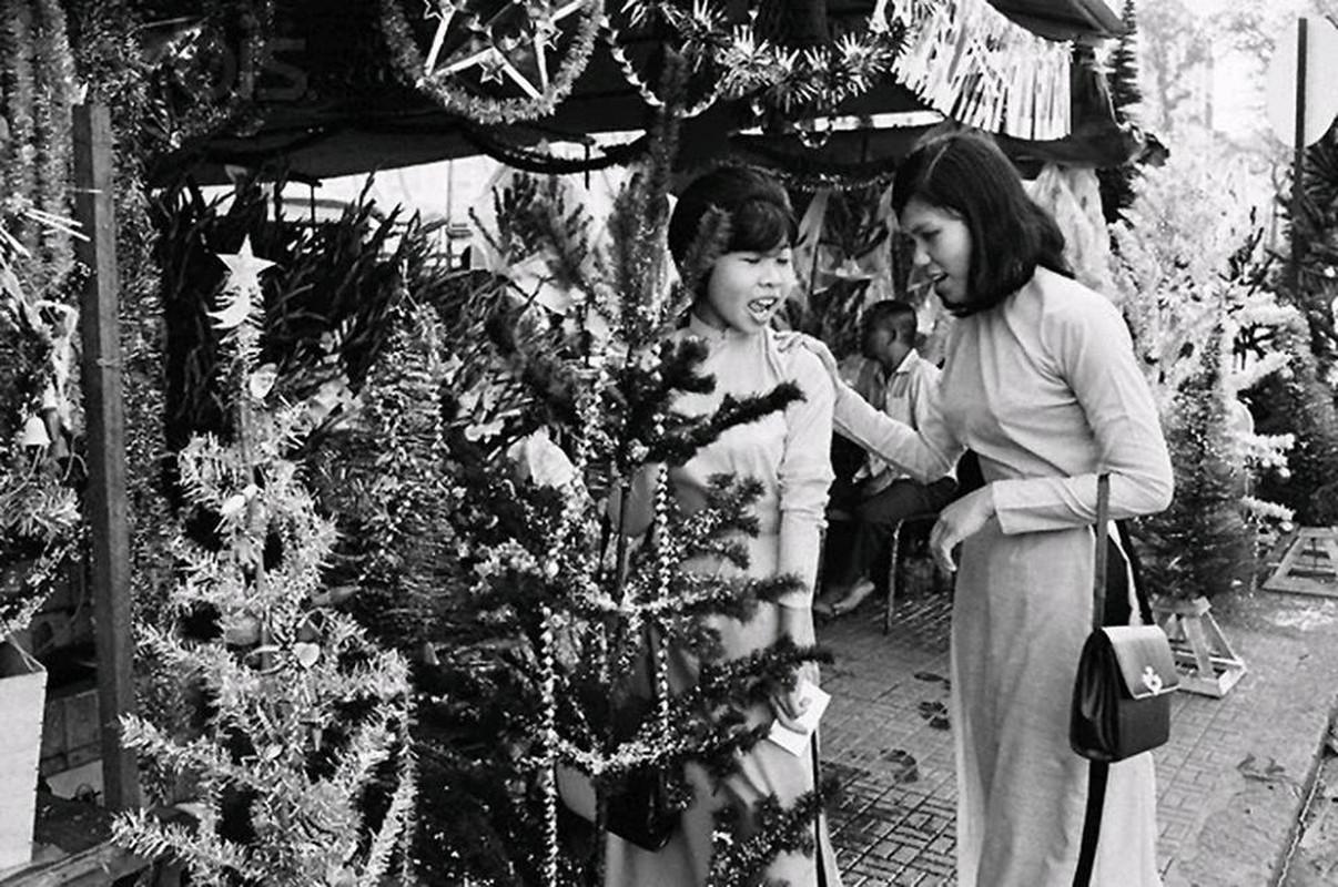 Anh sieu doc: Giang sinh Sai Gon truoc 1975 ruc ro the nao?-Hinh-3