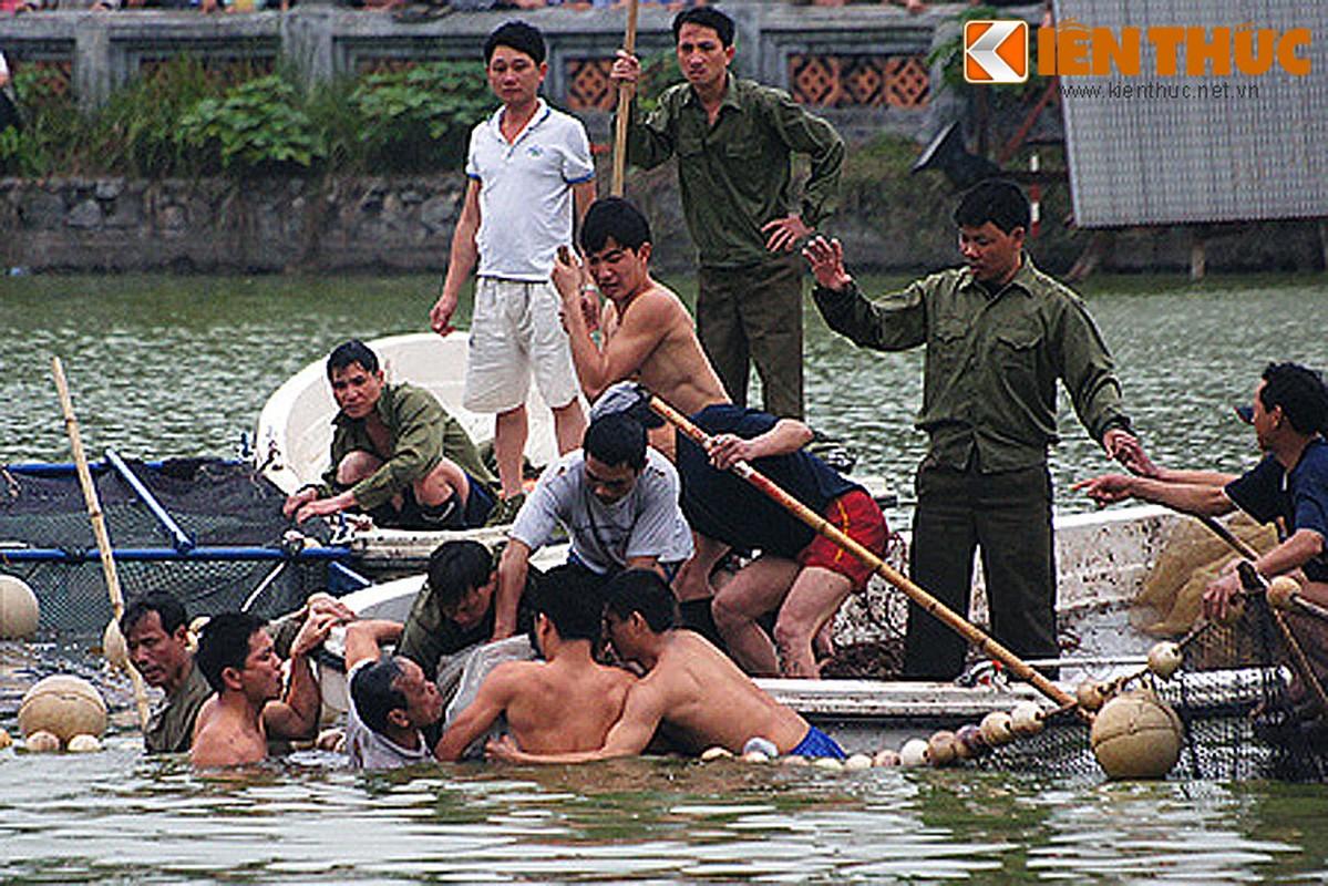 Anh doc: Bo doi dac cong bat cu Rua ho Guom 2011-Hinh-14