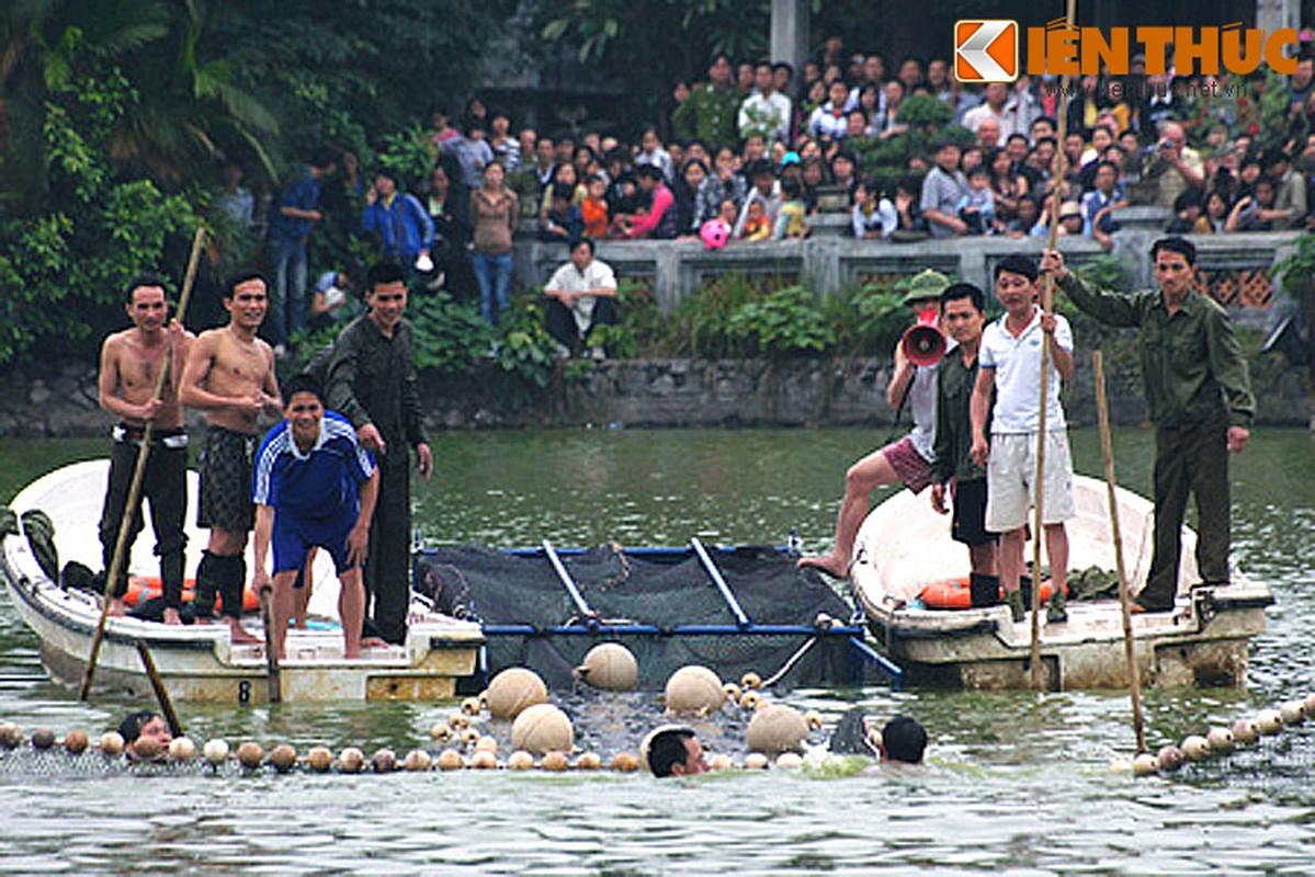 Anh doc: Bo doi dac cong bat cu Rua ho Guom 2011-Hinh-15