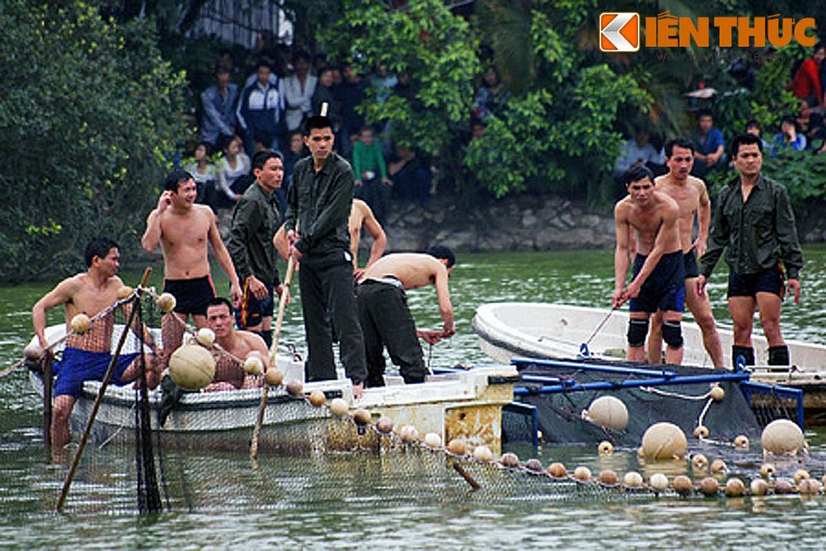 Anh doc: Bo doi dac cong bat cu Rua ho Guom 2011-Hinh-2