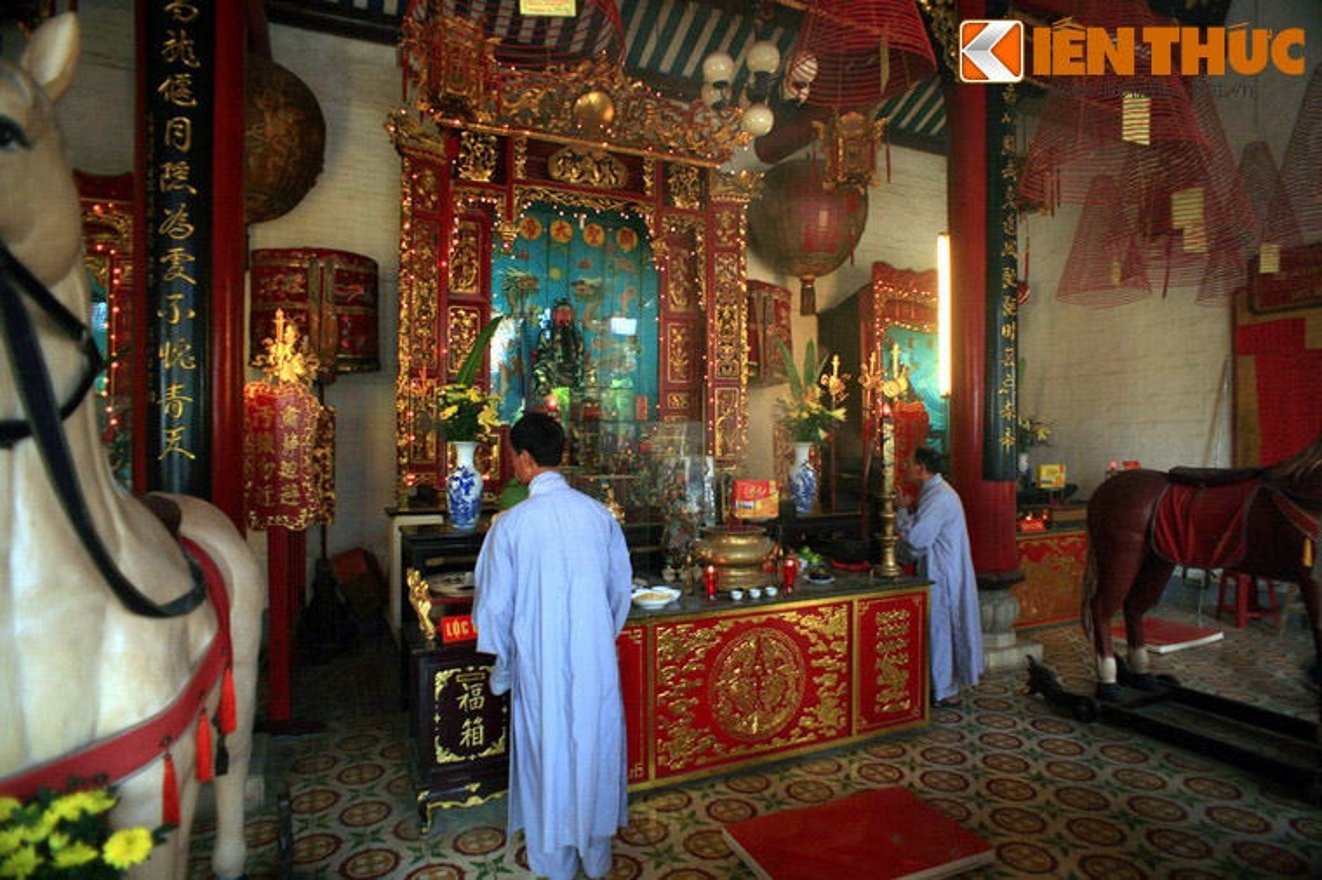 Kham pha hoi quan Quang Dong noi tieng cua Hoi An-Hinh-6