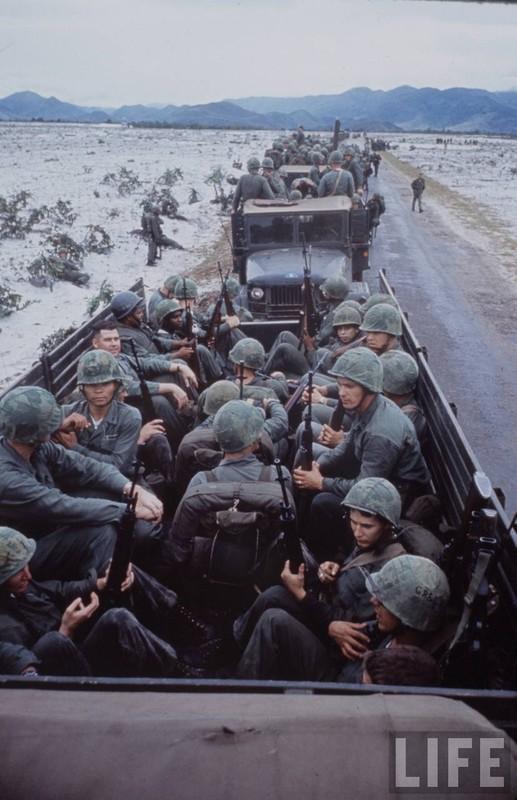 Anh cuc doc linh My dau tien toi Viet Nam tham chien (2)-Hinh-4