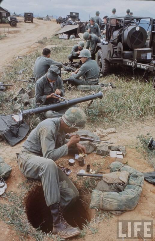 Anh cuc doc linh My dau tien toi Viet Nam tham chien (2)-Hinh-6