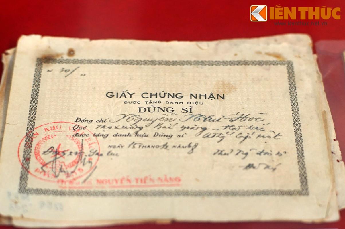 Xuc dong truoc loat ky vat khang chien chong My moi cong bo-Hinh-12