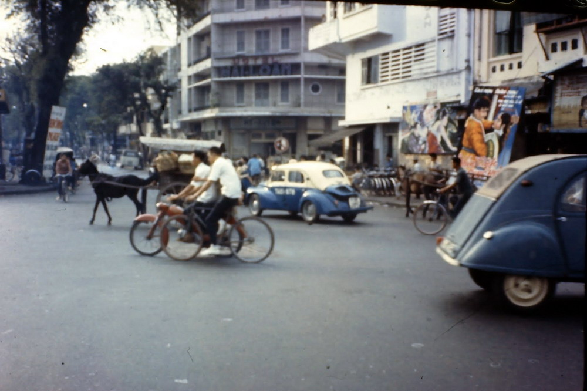Loat anh cuc sinh dong ve Sai Gon nam 1965-1966 cua linh My (1)-Hinh-3