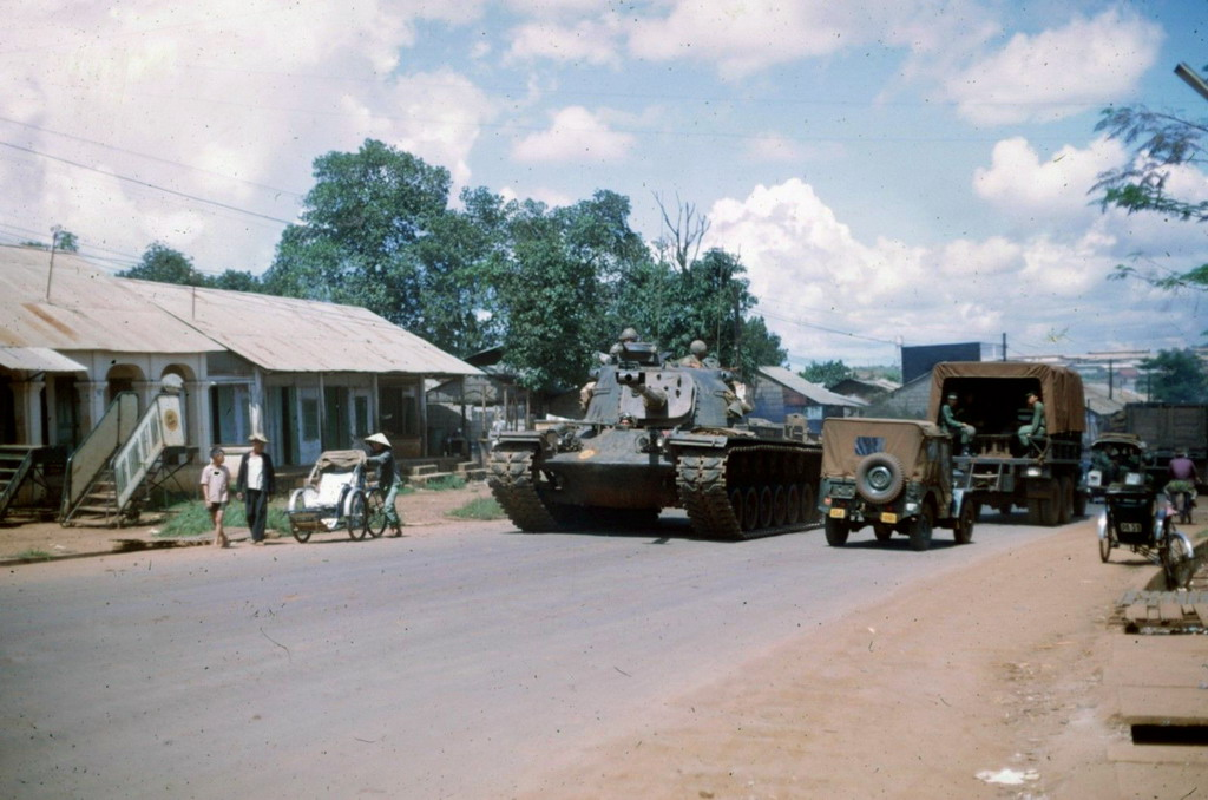 Thi xa Pleiku nam 1966 qua goc nhin linh My-Hinh-2