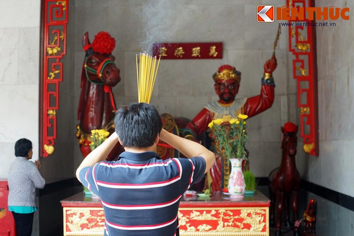 Ngam hoi quan cuc trang le cua nguoi Hoa Cho Lon-Hinh-10