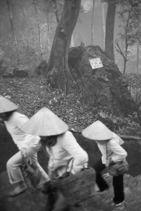 Canh tray hoi chua Huong nam 1990 qua ong kinh Tay-Hinh-5