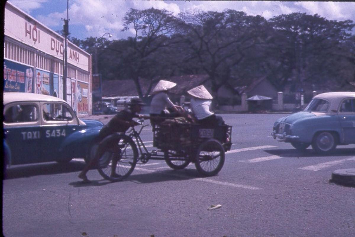 Sai Gon nam 1963 - 1964 trong anh cua Jack Waer (1)-Hinh-15