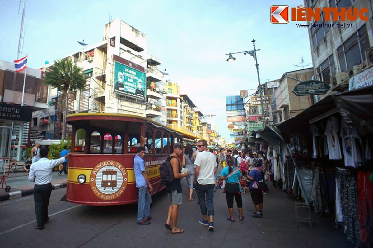 Nhung dieu chi co o pho hang rong lon nhat Bangkok