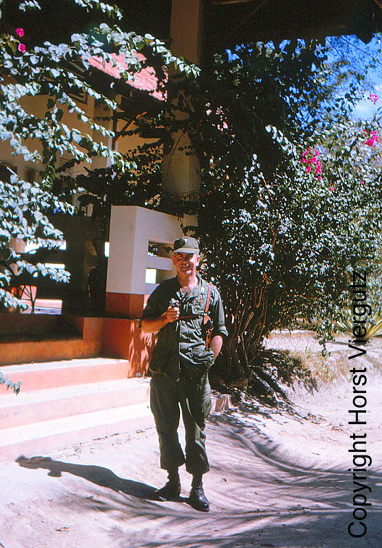 Mien Nam Viet Nam nam 1965 - 1966 trong anh cuu binh My-Hinh-12