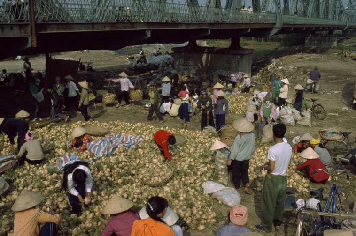 Viet Nam cuoi thap nien 1990 trong anh cua Hiroji Kubota (1)-Hinh-3