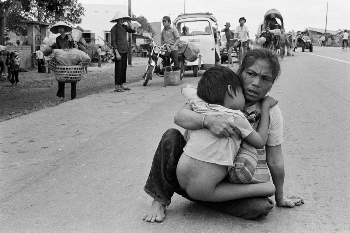 Nhung ngay cuoi cua chien tranh Viet Nam qua anh Hiroji Kubota (1)-Hinh-5