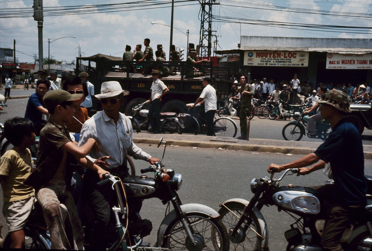 Nhung ngay cuoi cua chien tranh Viet Nam qua anh Hiroji Kubota (1)