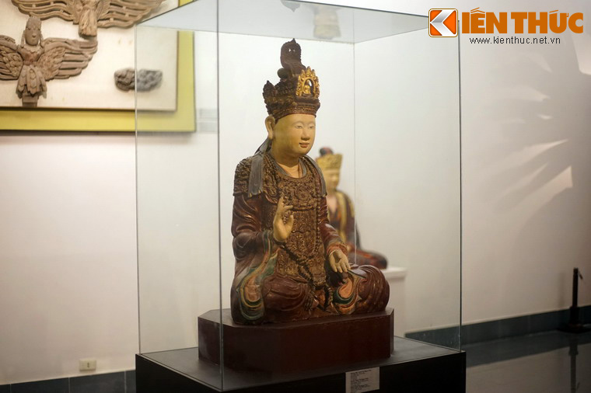 Ve dep Hoang hau Trinh Thi Ngoc Truc qua buc tuong 300 tuoi-Hinh-2
