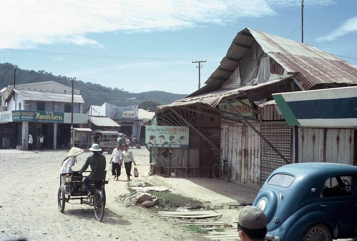 Anh: Doi thuong o Vung Tau nam 1967 qua ong kinh Tom Twitty-Hinh-20