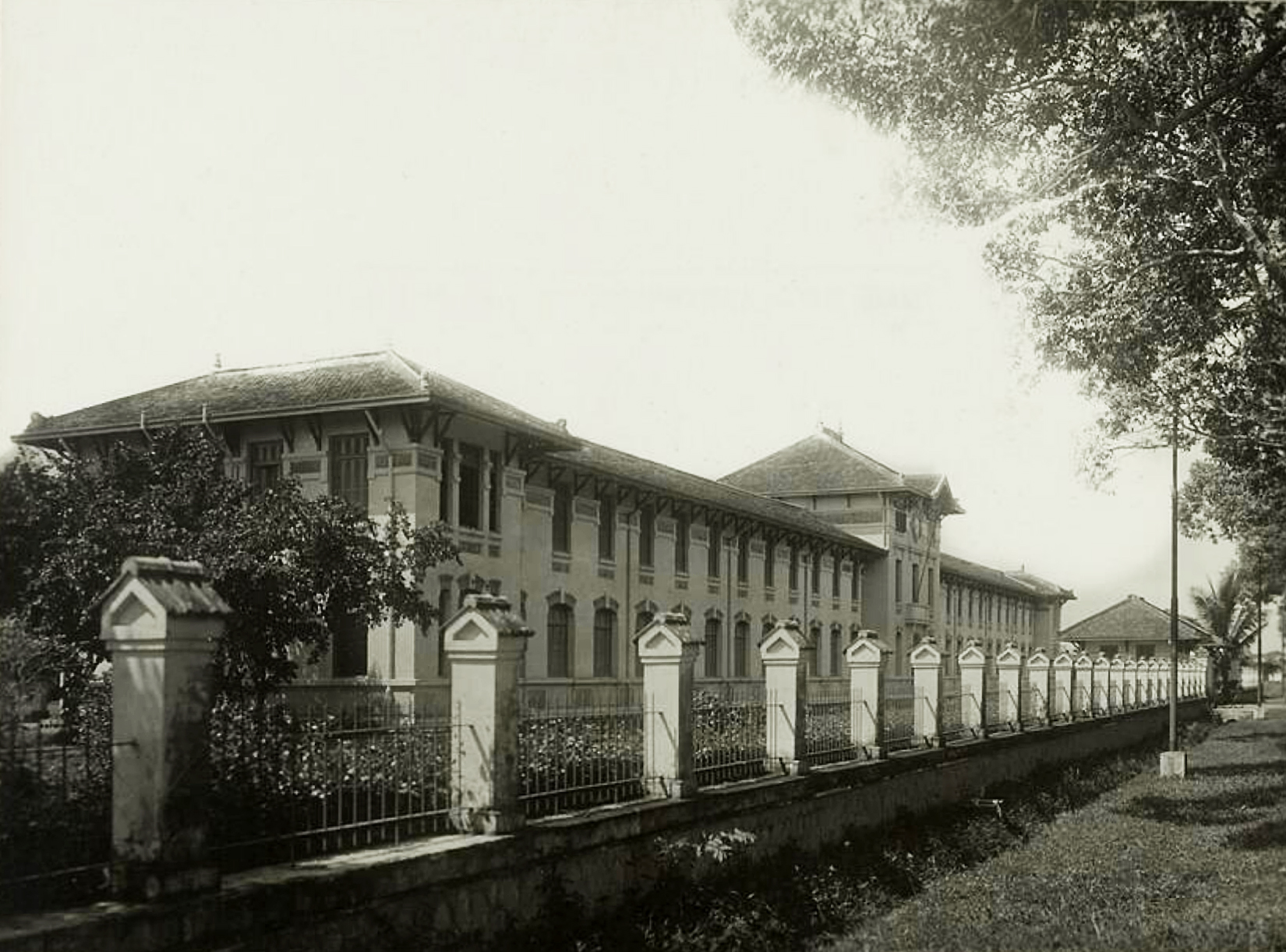 Loat anh doc ve cac truong hoc o Sai Gon thap nien 1920-Hinh-11