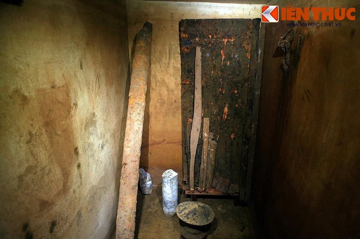 Soi can ham tru bom bi an trong khach san Metropole Ha Noi-Hinh-11