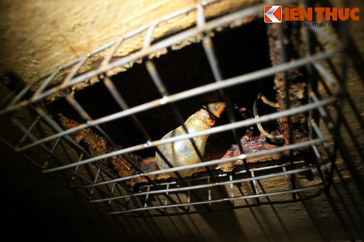 Soi can ham tru bom bi an trong khach san Metropole Ha Noi-Hinh-14