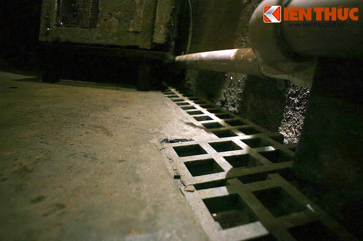 Soi can ham tru bom bi an trong khach san Metropole Ha Noi-Hinh-15