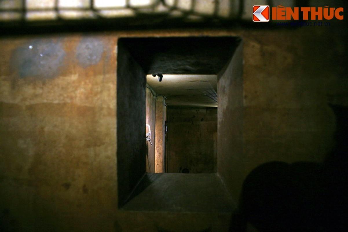 Soi can ham tru bom bi an trong khach san Metropole Ha Noi-Hinh-7