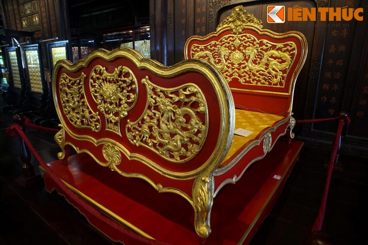 Loa mat truoc loat do noi that dat vang cua vua nha Nguyen-Hinh-13