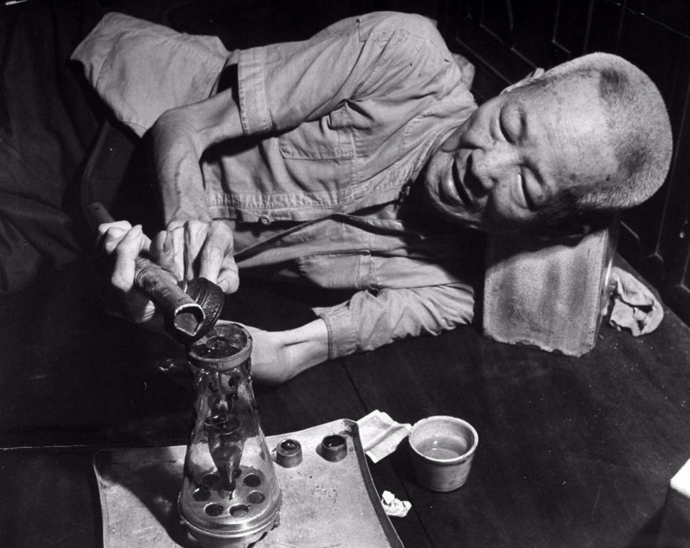 """Ben trong mot """"dong"""" ma tuy o Sai Gon nam 1949-Hinh-4"""