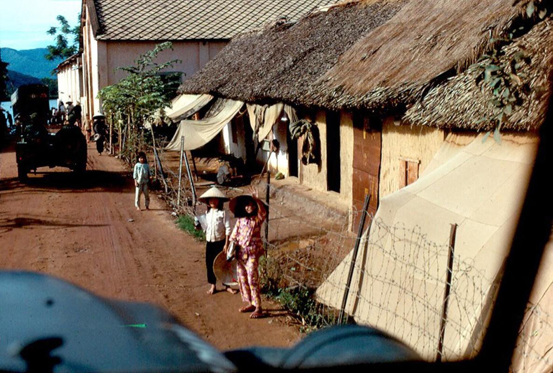 Anh hiem: Binh Dinh nam 1967 qua ong kinh John Hack-Hinh-15