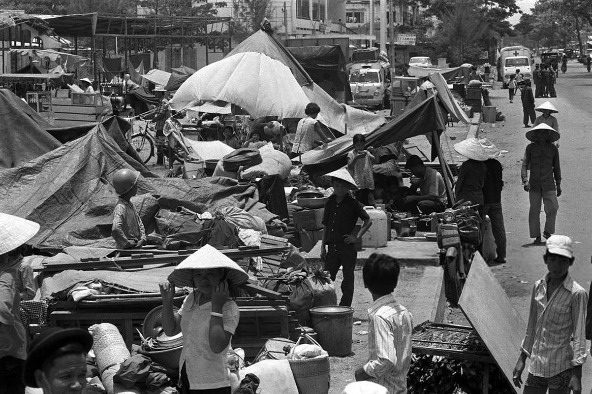 Chien tranh Viet Nam qua anh cua phong vien tu nan thang 4/1975-Hinh-3