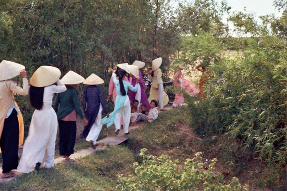 Loat hinh cuc doc ve dam cuoi o Quang Tri nam 1969-Hinh-19
