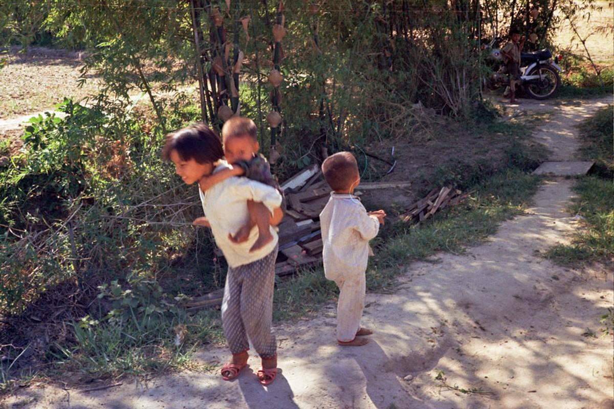 Loat hinh cuc doc ve dam cuoi o Quang Tri nam 1969-Hinh-7