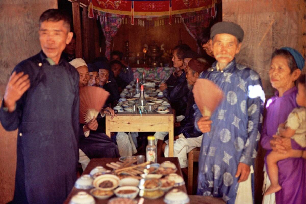 Loat hinh cuc doc ve dam cuoi o Quang Tri nam 1969-Hinh-8