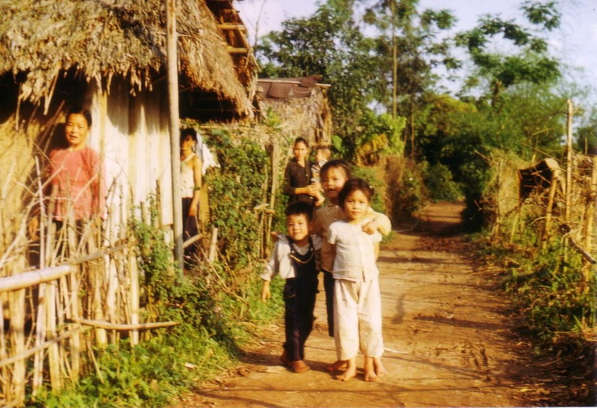 Nong thon Thai Nguyen nam 1973 - 1974 qua ong kinh pho nhay Duc-Hinh-13