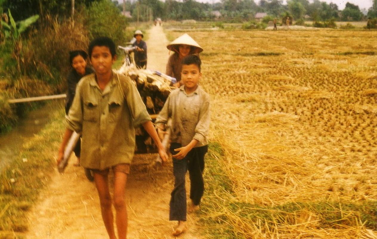 Nong thon Thai Nguyen nam 1973 - 1974 qua ong kinh pho nhay Duc-Hinh-15
