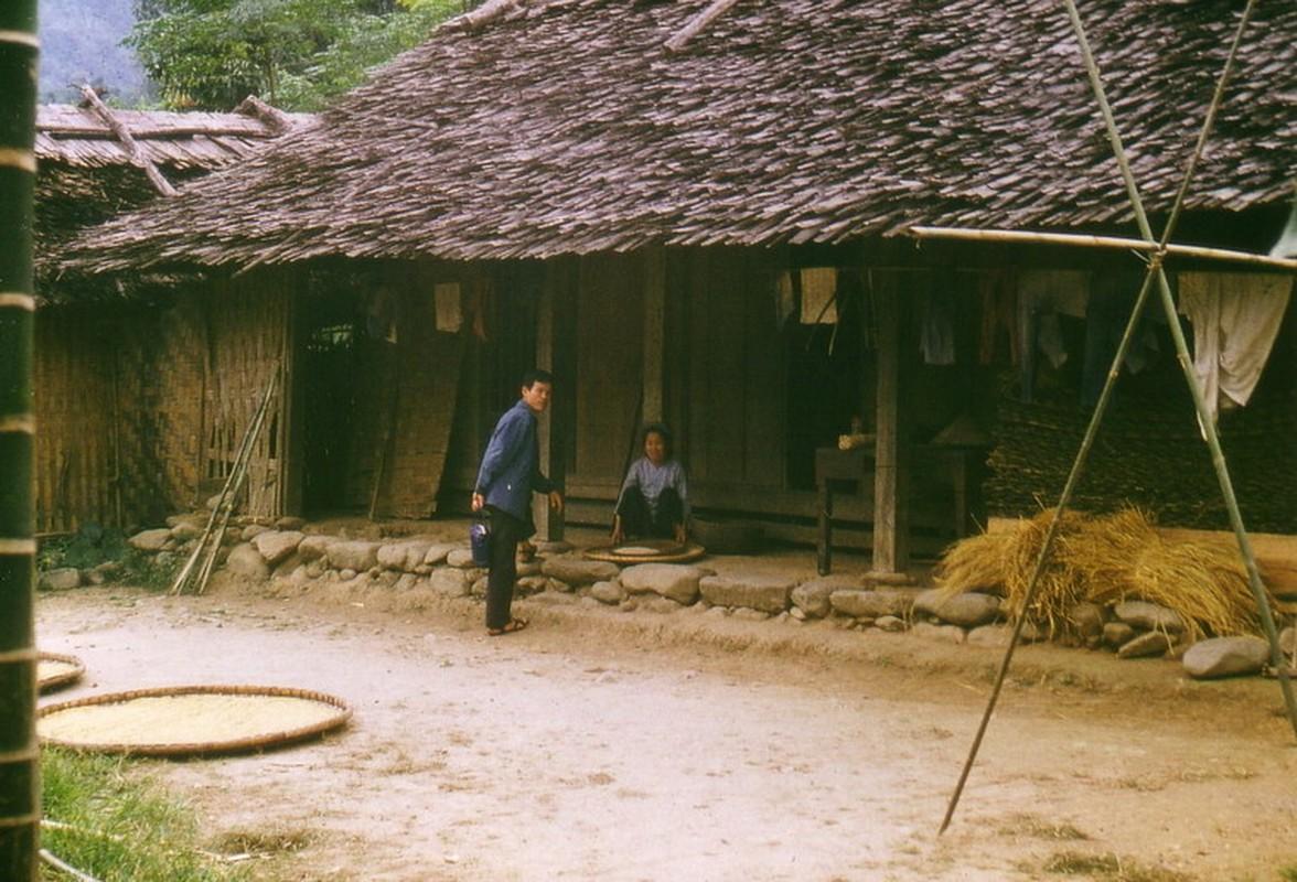 Nong thon Thai Nguyen nam 1973 - 1974 qua ong kinh pho nhay Duc-Hinh-2
