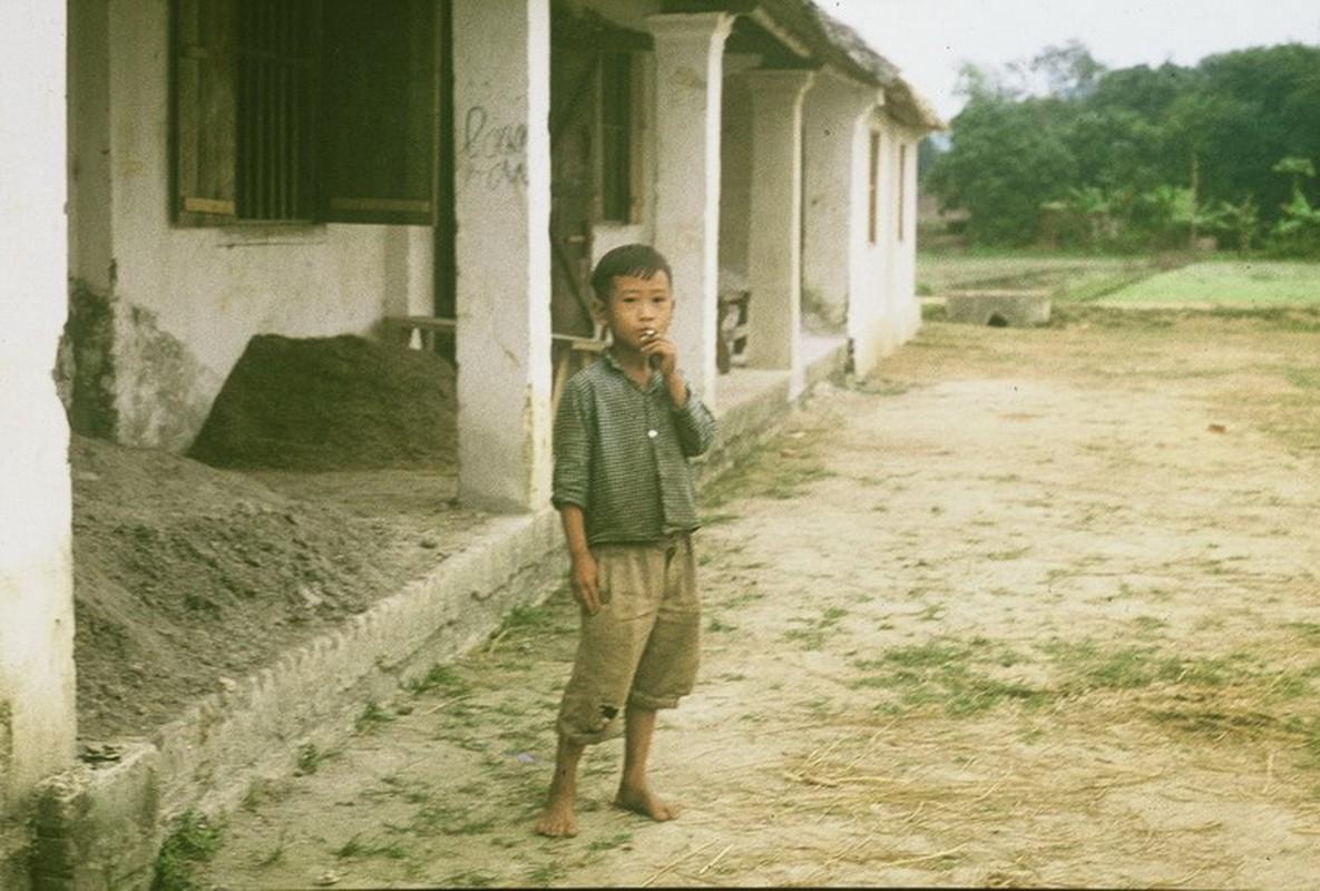 Nong thon Thai Nguyen nam 1973 - 1974 qua ong kinh pho nhay Duc-Hinh-3