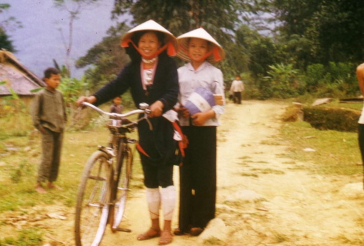 Nong thon Thai Nguyen nam 1973 - 1974 qua ong kinh pho nhay Duc-Hinh-9