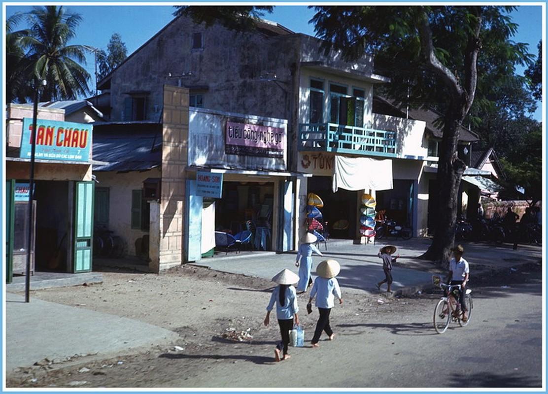 Xu Hue nam 1967 dep lang nguoi trong anh linh My-Hinh-7