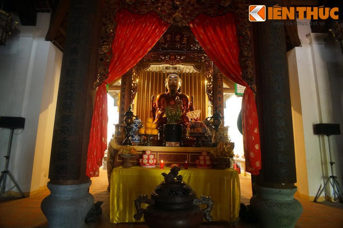 Kham pha ngoi chua huyen bi linh thieng nhat pho co HN ngay Tet-Hinh-8