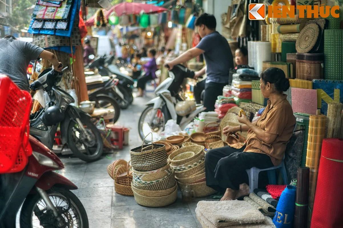 Pho nao o Ha Noi xua chuyen ban sung ong dan duoc?-Hinh-24