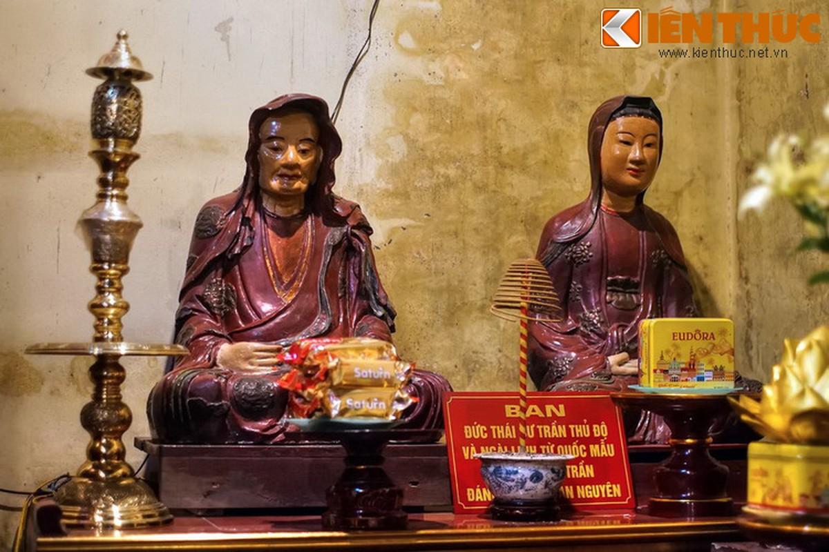 Kham pha ngoi chua huyen bi linh thieng nhat pho co HN ngay Tet-Hinh-4