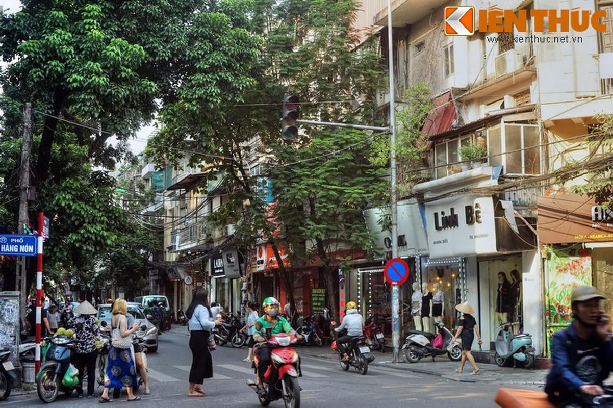 """Thanh dia"" cua dan ghien thuoc lao Ha Noi xua gio ra sao?"