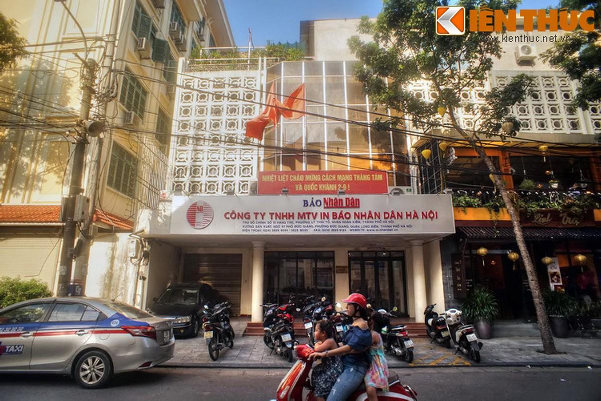 Dieu bat ngo ve con pho co tru so toa an co nhat Ha Noi-Hinh-3