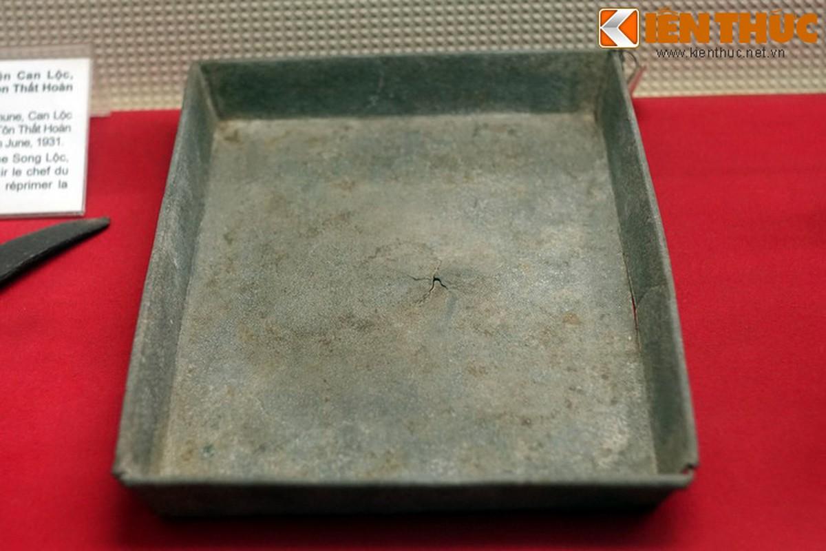 Ky vat cua cuoc khoi nghia dau tien duoi su lanh dao cua Dang-Hinh-13